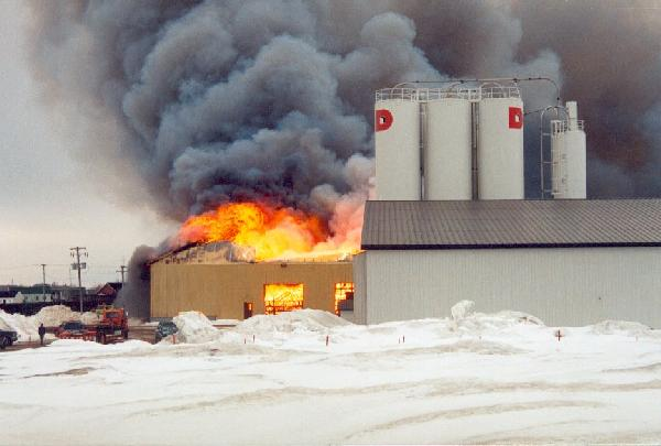 1998 – Destruction of constructions nails, collated nails and wire mesh plants by a fire